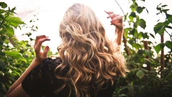 έλαιο τεϊόδεντρο και οφέλη στα μαλλιά